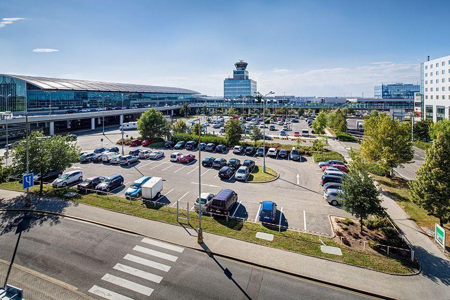 Obrázek článku: reference/letisko-vaclava-havla-praha-parkovisko-02.jpg
