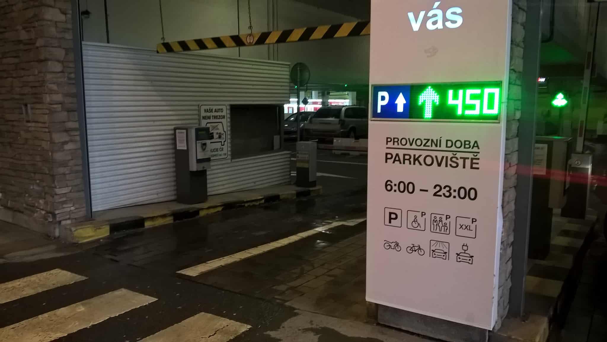 Obrázek článku: reference/oc-chodov-parkoviste-03.jpg